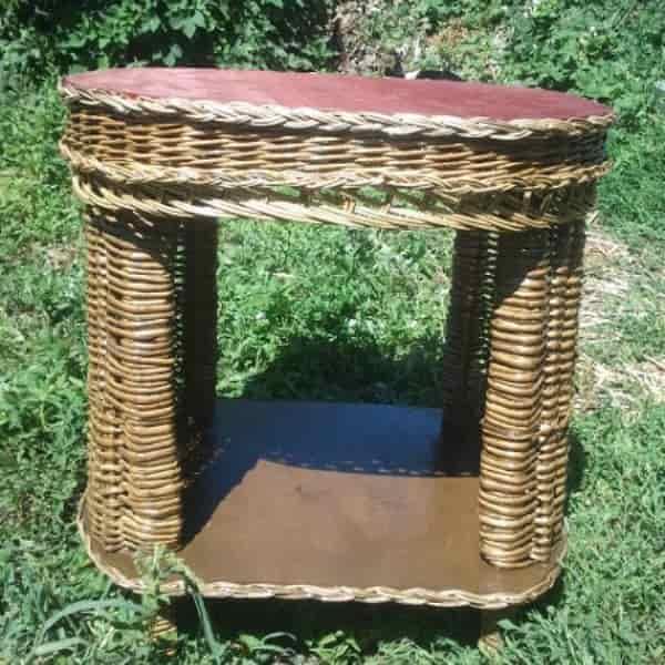 столик из ветвей черемухи
